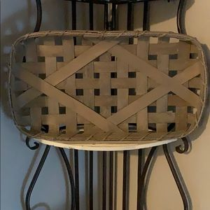 Tobacco basket